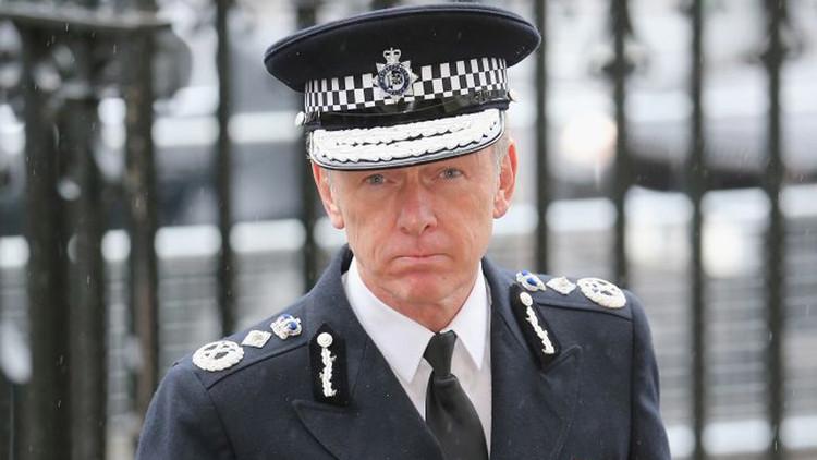 رئيس شرطة لندن السير برنارد هوجان هوي