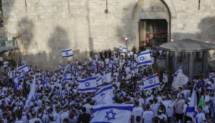 """وزير الأمن """"الإسرائيلي"""": نتجهز لإقامة """"مسيرة الأعلام"""" غداً ولن أطلب بأي تغييرات أو إلغاءات"""