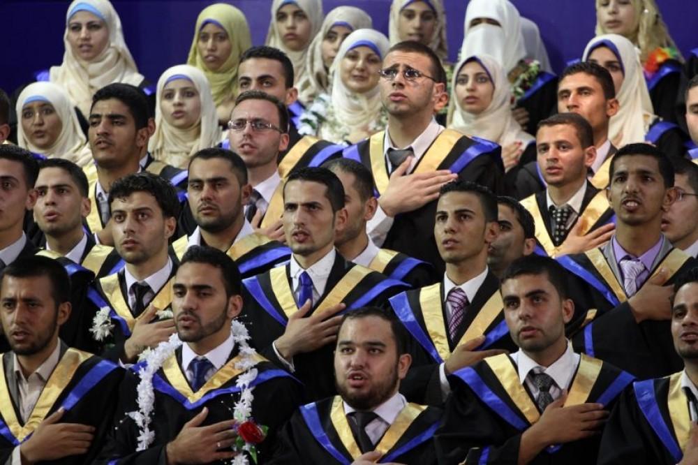 خريجين في غزة