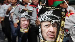 """الفلسطينيون يُحيون الذكرى الـ15 لإستشهاد """"ياسر عرفات"""" على وقع الإعداد للإنتخابات"""
