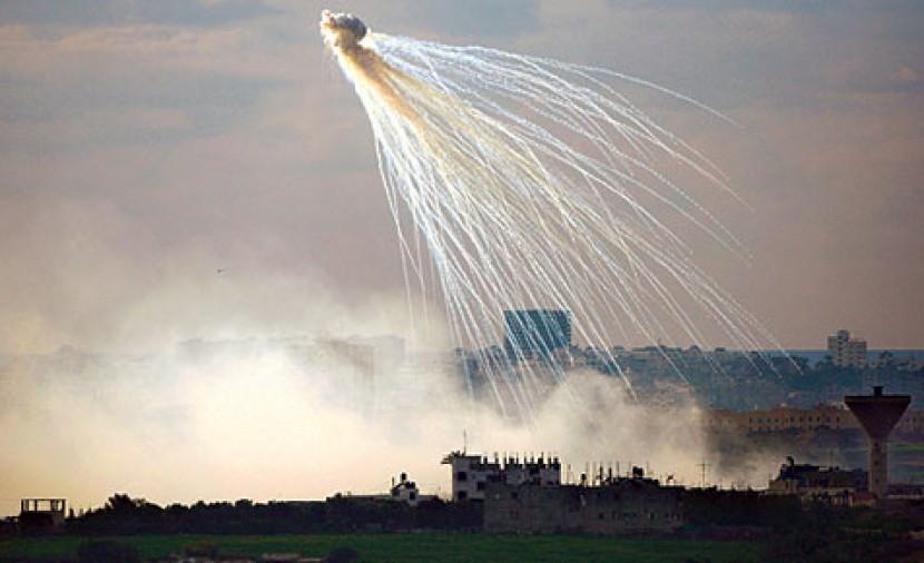 الكشف عن مبيدات سامة يلقيها الجيش على حدود غزة