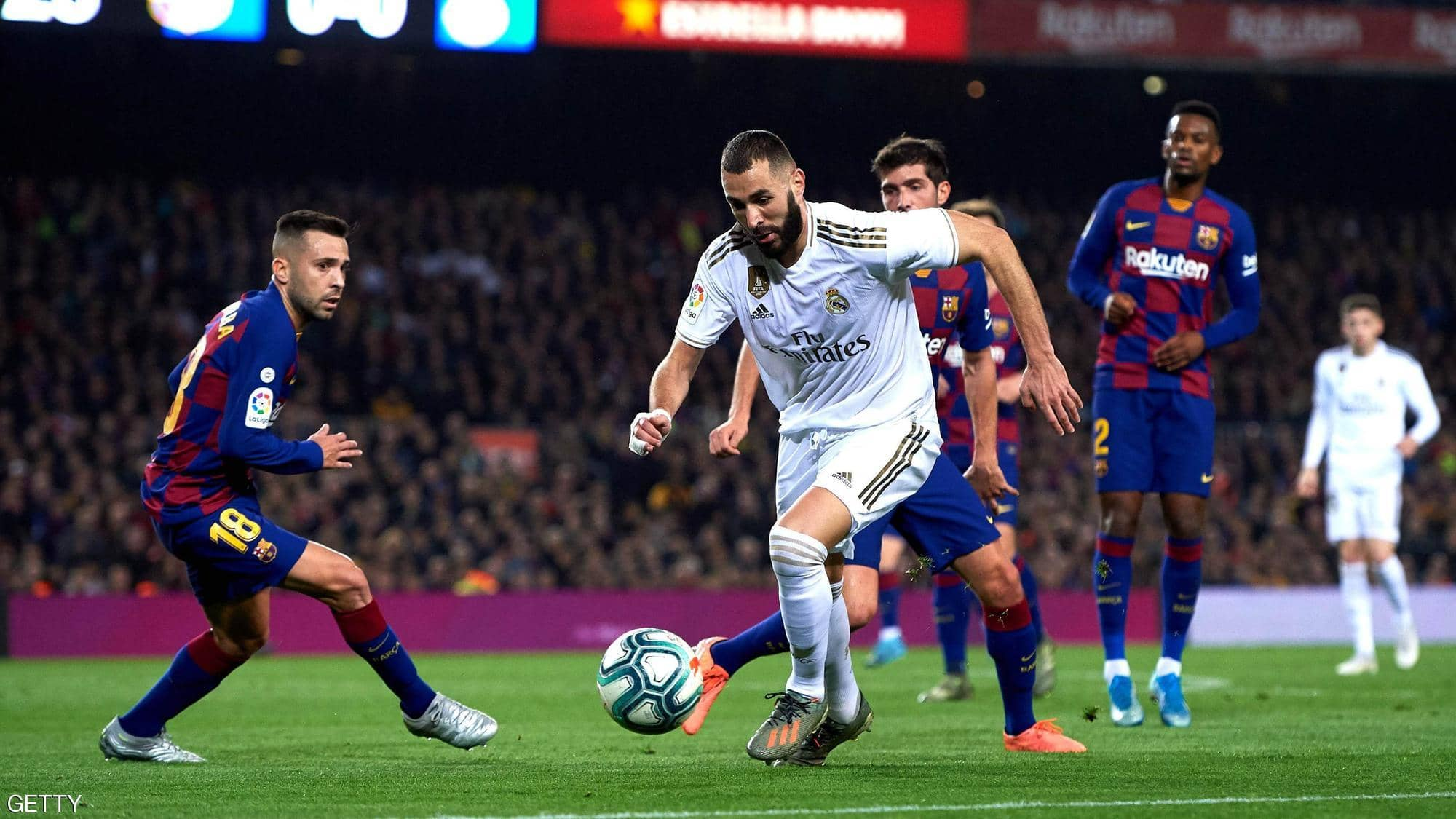 كيف استفاد ريال مدريد وبرشلونة من أزمة كورونا؟