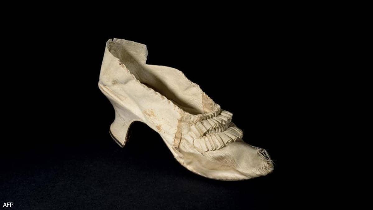 حذاء ماري أنطوانيت للبيع.. والسعر مفاجأة