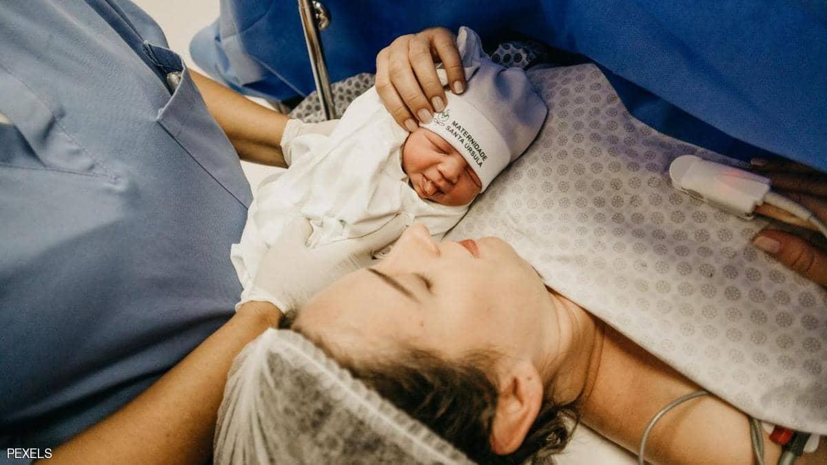 دراسة.. مناعة لقاح كورونا تنتقل من الحوامل لأطفالهن