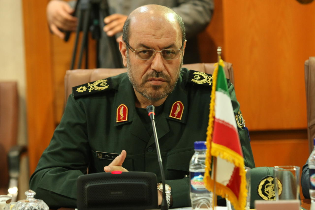 """وزير الدفاع الإيراني: إرسال عسكريين أمريكيين لسورية """"عدوان وتدخل سافر"""""""