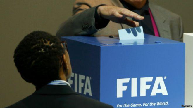 حظر الهواتف والكاميرات خلال تصويت رئاسة الفيفا