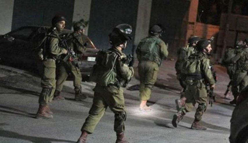الاحتلال يشن حملة مداهمات واسعة في الضفة