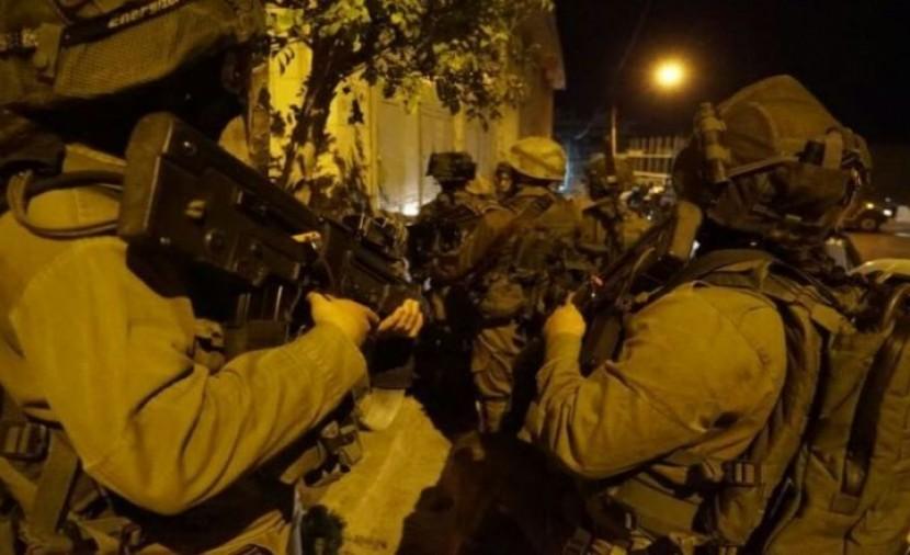 بينهم فتاة.. اعتقال 8 مواطنين من الضفة المحتلة