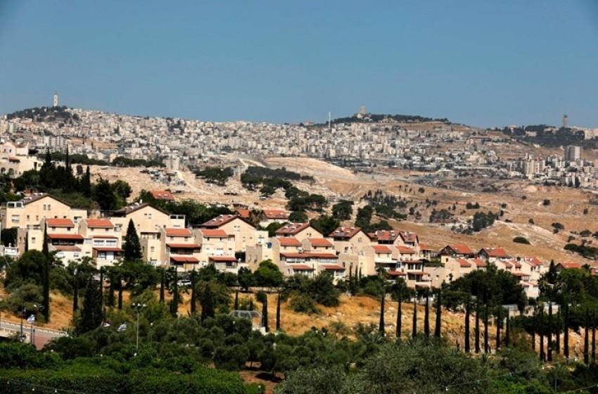 صحيفة: بينت يجمد البناء الاستيطاني في الضفة الغربية