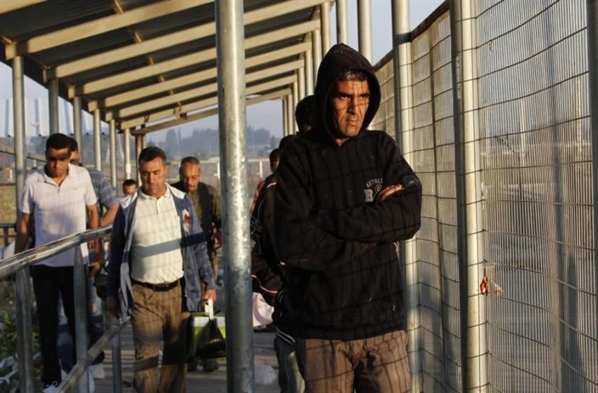 كان: إسرائيل توافق على إصدار 500 تصريح لتجار غزة