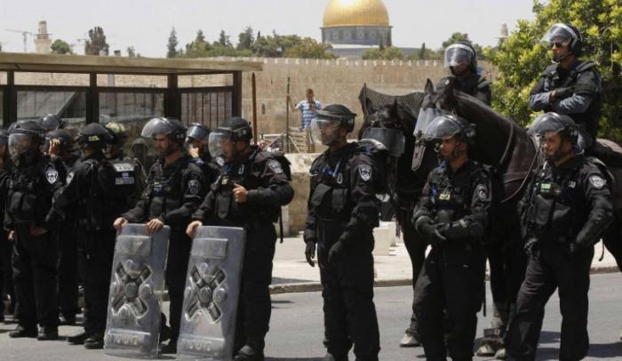 شرطة الاحتلال تقتحم المسجد الأقصى وتنفذ حملة اعتقالات