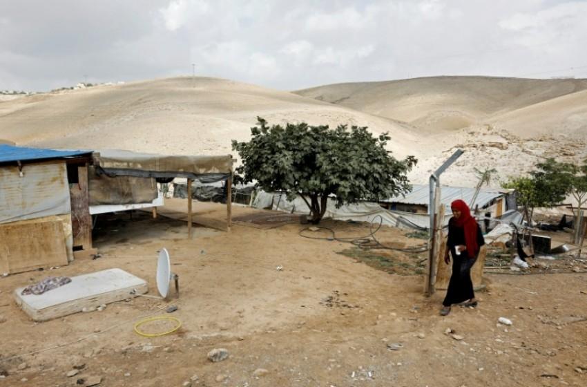 """الحكومة الإسرائيلية تطلب تأجيل إخلاء قرية """"الخان الأحمر"""""""