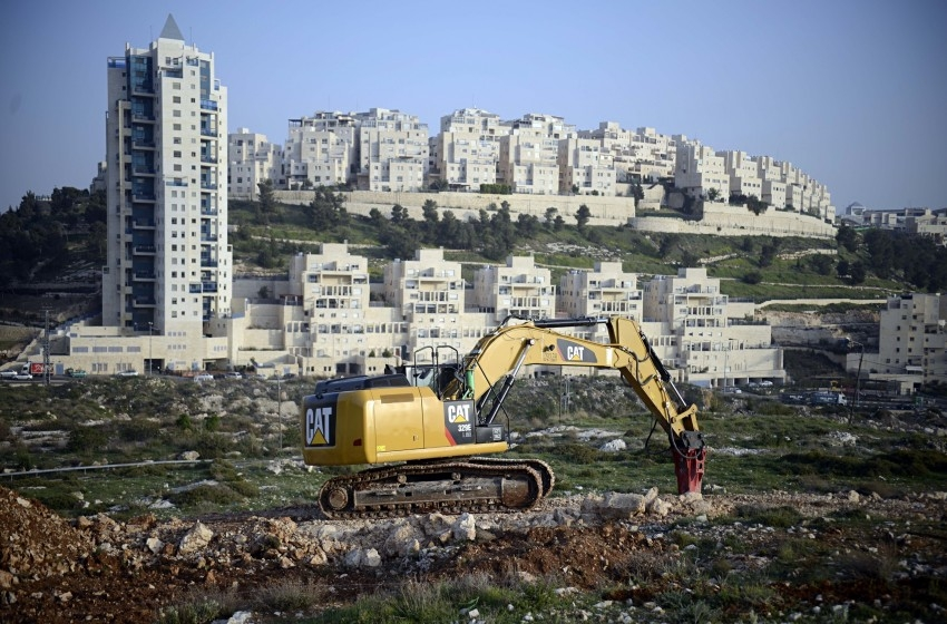 المصادقة على مصادرة أراضي فلسطينية لبناء وحدات استيطانية بالقدس