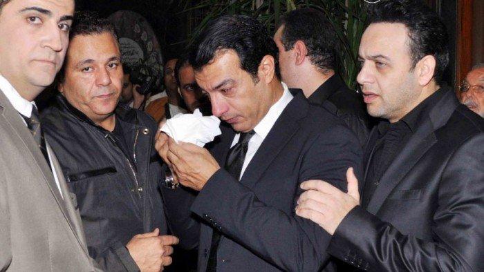مصرع والد الفنان المصري إيهاب توفيق في حريق