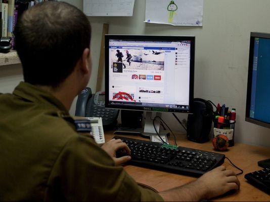 شكاوى إسرائيلية تدفع فيسبوك وتويتر لإغلاق حسابات حماس