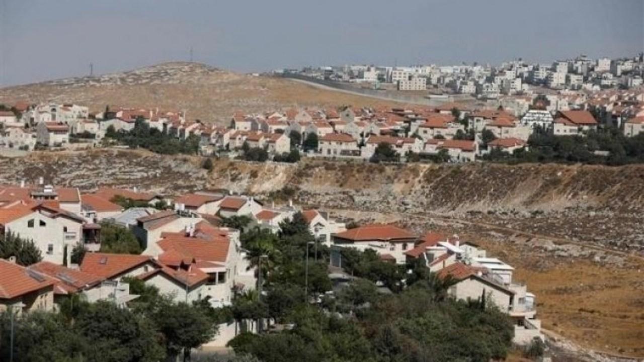 حكومة الاحتلال تنظر في مصير بؤرة استيطانية جنوبي نابلس
