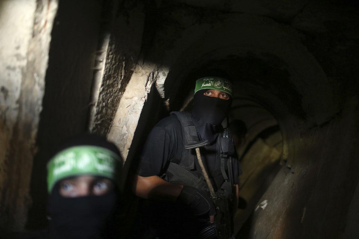 إصابات في انهيار نفق للمقاومة بغزة
