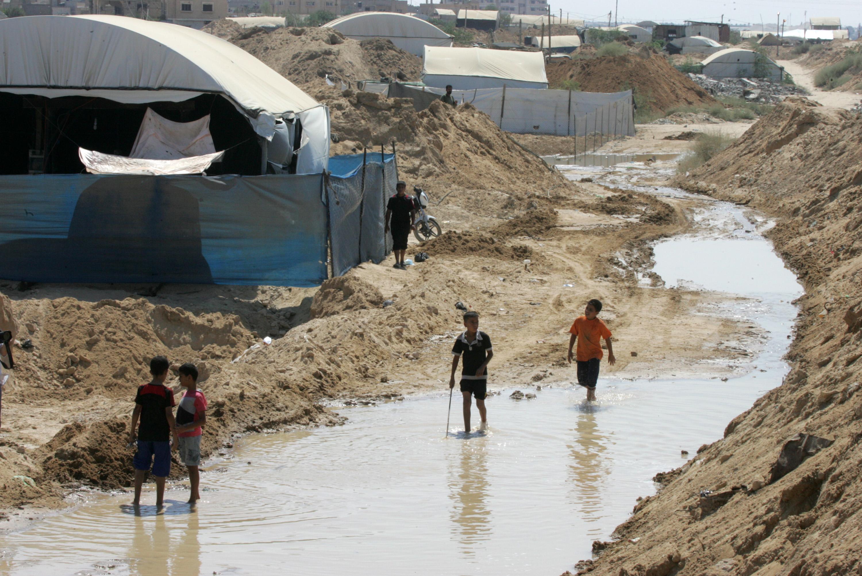 إسرائيل: مصر تغرق أنفاق غزة بناء على طلبنا