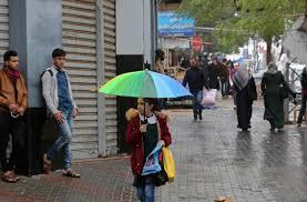 الطقس: أجواء غائمة وفرصة خفيفة لسقوط أمطار