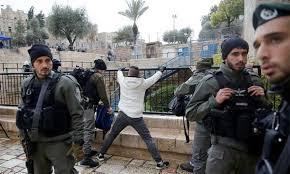 الاحتلال يطلق النار على شاب بعد ملاحقته في منطقة باب الاسباط في القدس