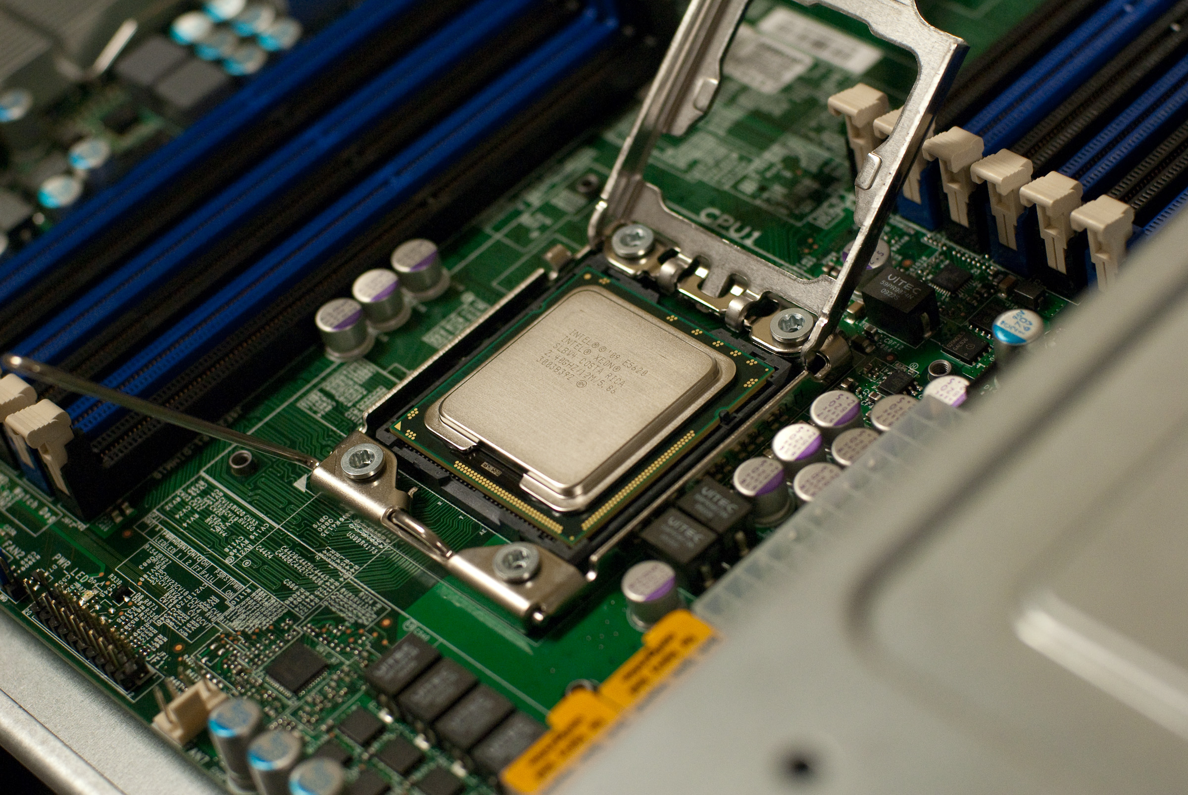 supermicro-sc847a-motherboard-with-intel-xeon-e5620-cpu.jpg