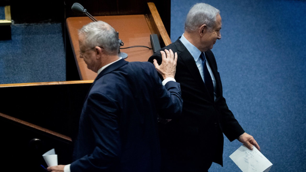 خلافات بين نتنياهو وغانتس تتسبب بإلغاء اجتماع الحكومة اليوم