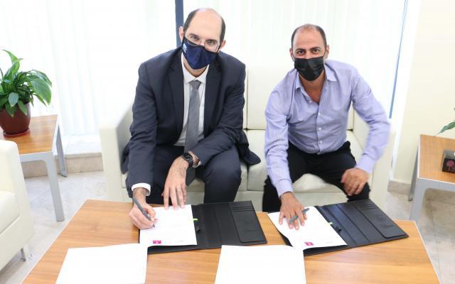 """بنك فلسطين و""""جفرا"""" يوقعان اتفاقية لتنمية الصناعة الموسيقية الفلسطينية"""