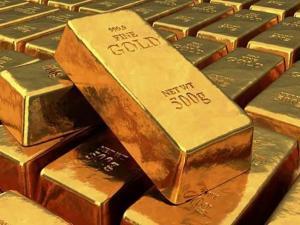 للمرة الأولى منذ 2011.. الذهب يحطم حاجز 1900 دولار
