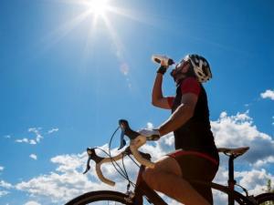 الطقس: اجواء حارة اليوم وانحسار موجة الحر غدا