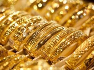 في ظل ارتفاع الدولار: انخفاض اسعار الذهب في الاسواق العالمية