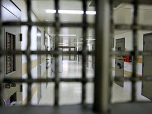 """""""العليا"""" و""""الاستئناف"""" الإسرائيليتان تصدران قرارات بحق معتقلين إداريين"""