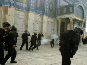 """""""إسرائيل"""" تخشى توتراً أمنياً بعد صلاة الجمعة في المسجد الأقصى"""