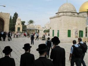 متطرفون يدعون لاقتحامات واسعة للمسجد الاقصى اليوم وعلى فترتين