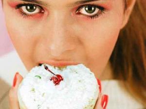 """مصدر الرغبة الشديدة في الأكل.. العلم يحدد """"السر"""""""
