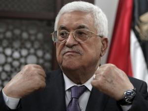 كاتب إسرائيلي يتحدث عن الصراعات المتزايدة لخلافة عباس