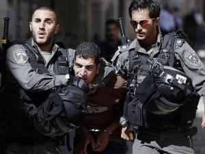 اعتقال شاب بزعم محاولته تنفيذ عملية طعن في القدس