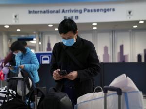 وباء كورونا بالصين: 56 حالة وفاة وأميركا تجلي رعاياها