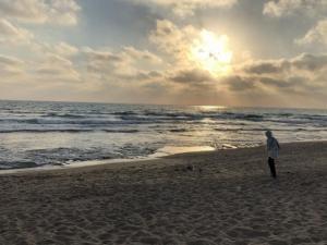 طقس فلسطين: ارتفاع جديد على درجات الحرارة والأجواء حارة ظهرًا ومعتدلة ليلًا