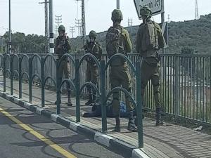 بالصور: استشهاد فلسطيني بزعم محاولته تنفيذ عملية طعن