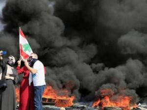 مواجهات وحرق بنوك.. مظاهرات واحتجاجات واسعة عقب انخفاض سعر الليرة