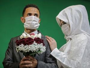 كيف يؤثر الحجر الصحي على العلاقات الزوجية؟