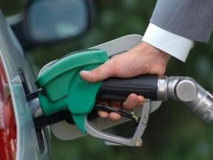 ارتفاع على أسعار الوقود بدءا من يوم غد