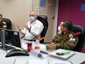وزير الجيش يزعم أن إسرائيل لا تريد المساس بحياة الفلسطينيين