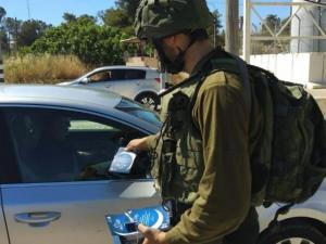 """""""إسرائيل"""" تستخدم تطبيق """"المنسق"""" لتعقب هواتف الفلسطينيين"""