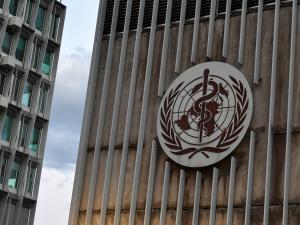 """الصحة العالمية تنفي تسجيل أي وفيات جراء تلقي لقاح """"فيروس كورونا"""""""