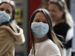 علماء يؤكدون انتشار كورونا عبر الجو والصحة العالمية: نبحث ذلك