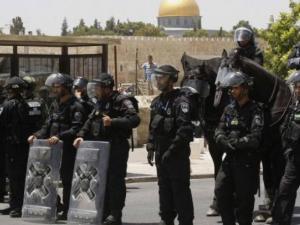 الاحتلال يشدد من إجراءاته العسكرية في محيط القدس