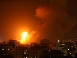 طائرات الاحتلال تقصف موقعين للمقاومة في خانيونس جنوب قطاع غزة