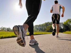 الجري على معدة فارغة يحرق الدهون.. لكن بشروط