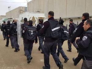 """نادي الأسير: حالة من التوتر في سجن """"عسقلان"""""""